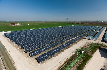 LG Panels in italian solarfarm, 14 MW Ca