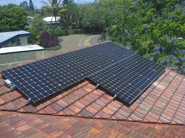 LG NeON panels installed by Air Solar Bundaberg
